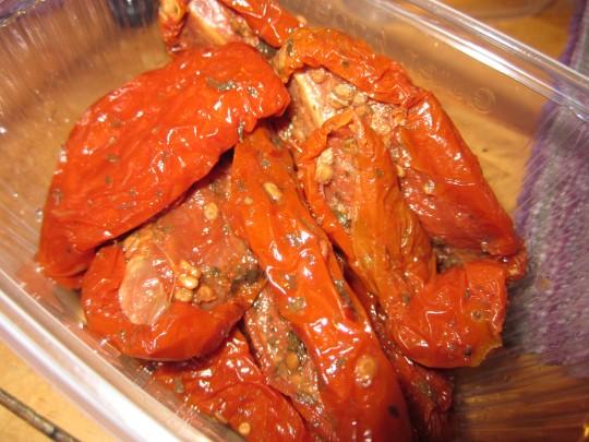 Getrocknete und eingelegte Tomaten für unser Pesto