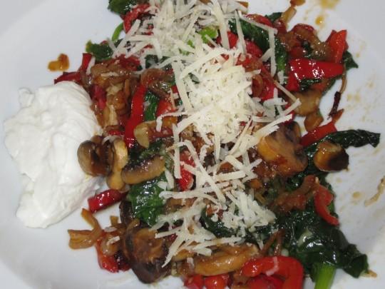 Spinat, Paprika, Champignons... eine schöne Kombination