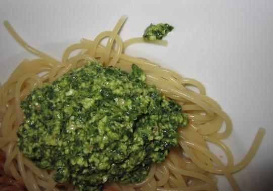 Solo-Auftritt: Roquefort-Pesto mit Spaghetti
