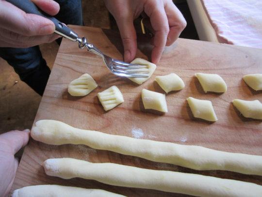 Gnocchis mit Muster machen